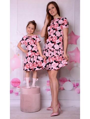 Eleganckie sukienki w kwiaty dla mamy i córki