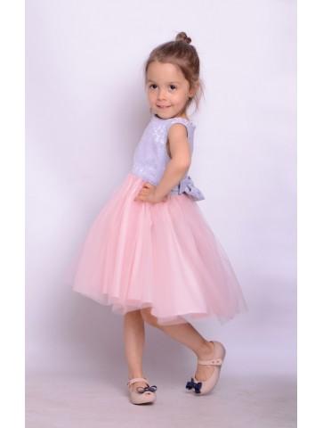 Tiulowa różowa sukienka dla dziewczynki.