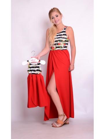 Długie czerwone sukienki w kwiaty dla mamy i córki