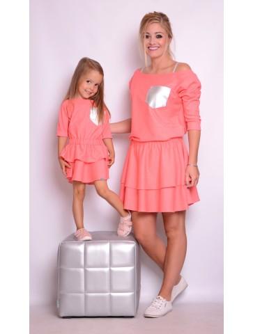 Koralowe sukienki z falbankami mama + córka