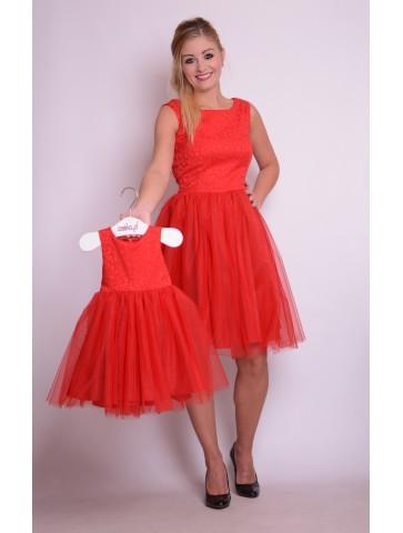 Czerwone tiulowe sukienki dla mamy i córki