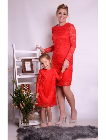 Rote Spitzenkleider für Mutter und Tochter