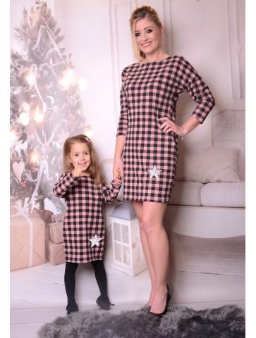 Różowe sukienki w kratę z gwiazdką dla mamy i córki