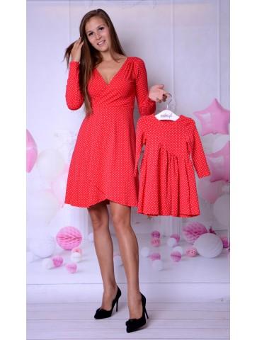 Czerwone kloszowane sukienki w groszki dla mamy i córki