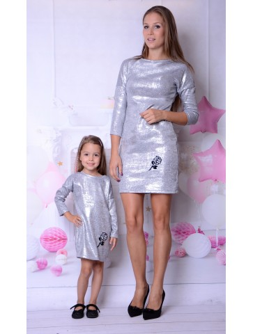 Eleganckie, srebrne sukienki dla mamy i córki