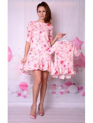 Eleganckie sukienki w kwiaty dla mamy i córki na wesele